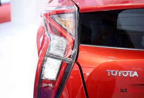 Toyota Prius 2016: chiec xe lai duy nhat tai Trien lam o to Viet Nam - Anh 10