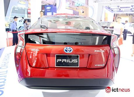 Toyota Prius 2016: chiec xe lai duy nhat tai Trien lam o to Viet Nam - Anh 11