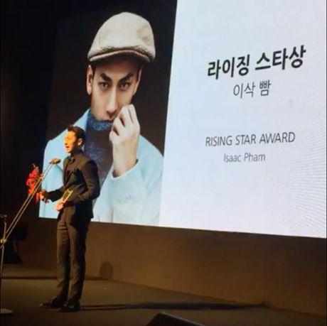 Isaac doat giai Ngoi sao trien vong tai LHP Busan - Anh 1