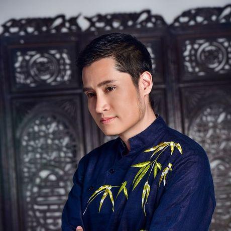 Xuan Phu day tam trang khi hat ve Da Lat - Anh 1