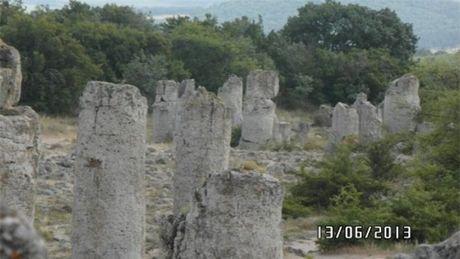 Kham pha bi an sau rung cot da tu nhien ky la o Bulgaria - Anh 10