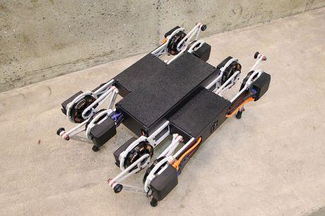 Clip: Robot co the leo rao, mo cua voi gia 1.500 USD - Anh 2