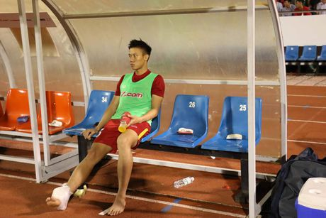 Chan thuong nang, Que Ngoc Hai chay dua du AFF Cup - Anh 1