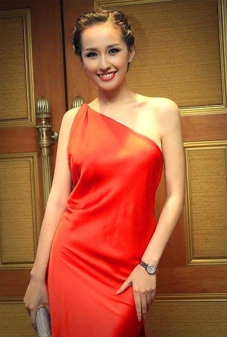 Roi showbiz, Mai Phuong Thuy so huu bo dong ho tien ti - Anh 12