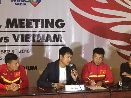 HLV Huu Thang hao huc tai ngo thay Riedl - Anh 1