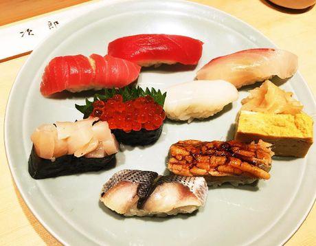 Nha hang sushi huyen thoai duoc nhieu nguoi noi tieng ghe tham - Anh 11