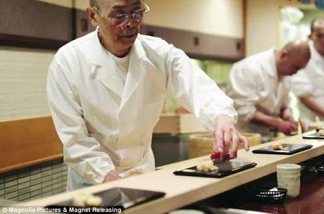 Nha hang sushi huyen thoai duoc nhieu nguoi noi tieng ghe tham - Anh 6