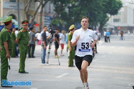An tuong nhung VDV nuoc ngoai tai chung ket Giai chay Bao Hanoimoi - Anh 7