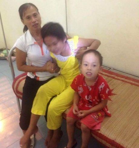Nuoc mat nguoi dan ba sinh con tat nguyen, bi chong ruong ray - Anh 1
