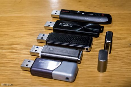 Dua toc do 5 mau USB 3.0 dung luong 32 GB, ai ve nhat? - Anh 1