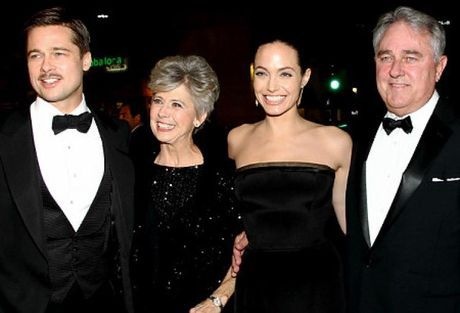 Bo me Brad Pitt cuc tuc gian voi Angelina Jolie - Anh 2