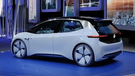 Volkswagen tham vong 'dan than' vao thi truong xe dien - Anh 2
