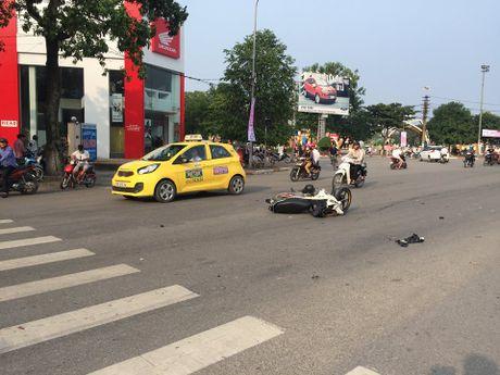 Nghi say ruou, lai xe ban tai dam bay xe may nhung van khong nhan - Anh 1