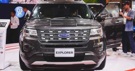 Soi chi tiet Ford Explorer 2017: SUV den tu My gia 2,18 ty dong - Anh 1