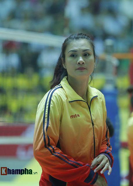 O tuoi bam, Hoa khoi Kim Hue tung hoanh tren san - Anh 1