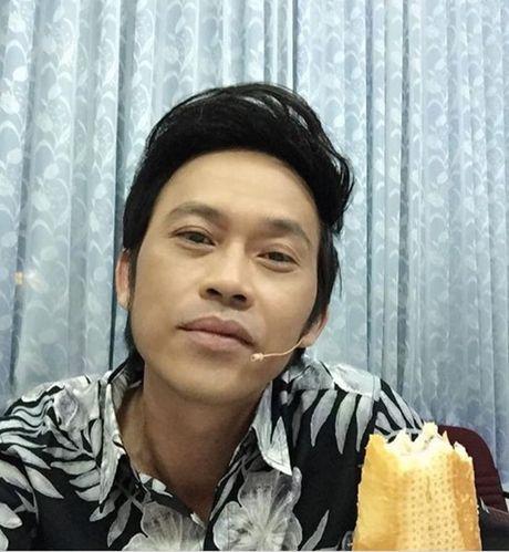 Xay xong nha tho tram ty, Hoai Linh van song gian di bat ngo - Anh 2