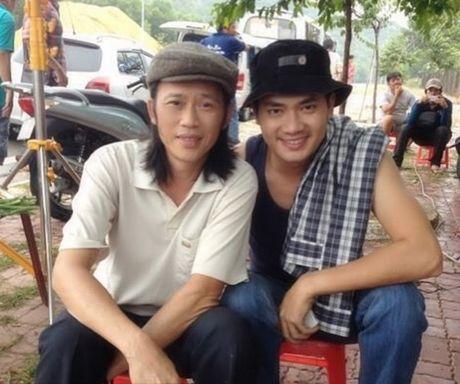 Xay xong nha tho tram ty, Hoai Linh van song gian di bat ngo - Anh 5