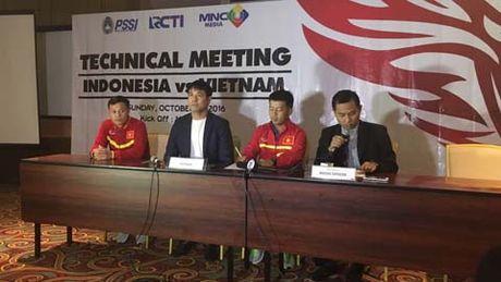 HLV Nguyen Huu Thang trai long ve nguoi thay Riedl - Anh 1