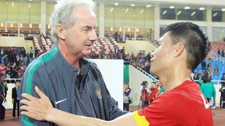 HLV Nguyen Huu Thang trai long ve nguoi thay Riedl - Anh 2