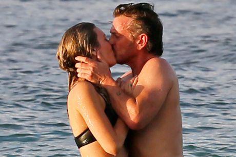 Ban gai kem sao Hollywood Sean Penn 32 tuoi la ai? - Anh 2