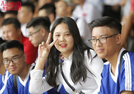 Nu sinh Ha Noi rang ro ngay khai mac giai bong da hoc sinh THPT - Anh 14