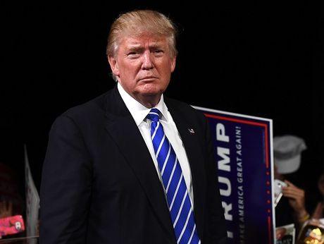 Ong Donald Trump bi 'don vao chan tuong' truoc them cuoc tranh luan thu 2 - Anh 1