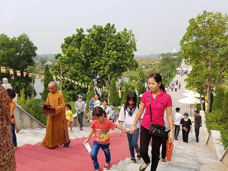 Hang ngan phat tu ve Phu Tho chiem bai Phat ngoc hoa binh - Anh 5