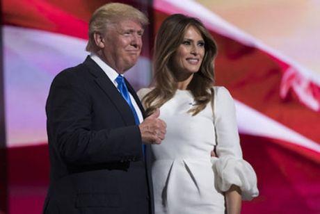 Vo Donald Trump len tieng ve phat ngon dam tuc cua chong - Anh 1