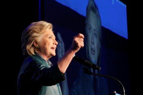 Hillary Clinton dan truoc Donald Trump 5 diem - Anh 1