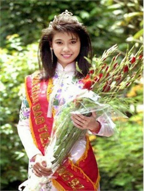 Ngan ngo truoc ve dep chua tung chinh sua cua Hoa hau Ha Kieu Anh 24 nam truoc - Anh 1