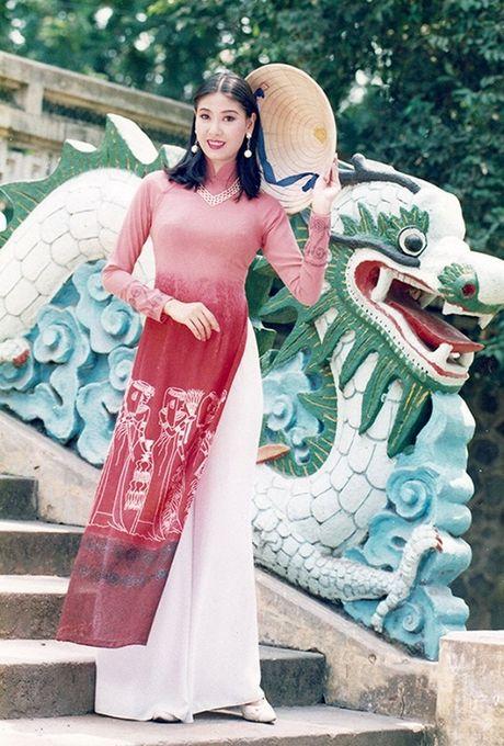 Ngan ngo truoc ve dep chua tung chinh sua cua Hoa hau Ha Kieu Anh 24 nam truoc - Anh 6