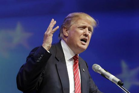 Trump trong the chan tuong truoc cuoc tranh luan thu hai - Anh 1