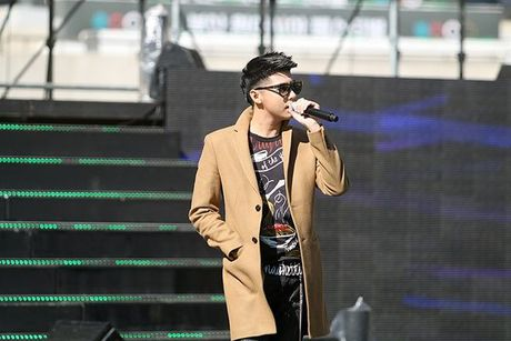 Noo Phuoc Thinh dep trai khong kem sao Han tren san tap Asia Song Festival - Anh 12
