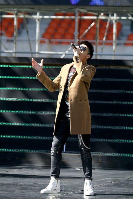 Noo Phuoc Thinh dep trai khong kem sao Han tren san tap Asia Song Festival - Anh 13