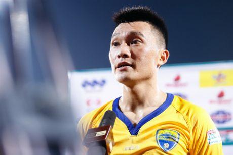 HLV Le Thuy Hai chon doi hinh tieu bieu V.League 2016 - Anh 2