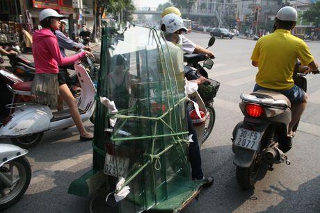 Xe cho hang cong kenh 'ne' luc luong chuc nang - Anh 10