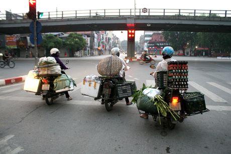 Xe cho hang cong kenh 'ne' luc luong chuc nang - Anh 6