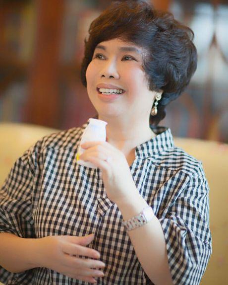 'Nguoi dan ba sua tuoi' Thai Huong va cuoc cach mang ve sua hoc duong - Anh 3