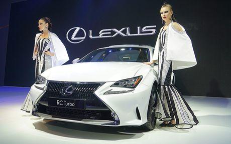 Man nhan voi nhung mau xe moi trinh lang cua Lexus tai VMS 2016 - Anh 10