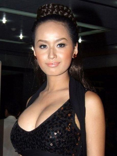Ngat tho vi mot day nguc 'khung' cua Ly Nha Ky, Mai Phuong Thuy - Anh 7