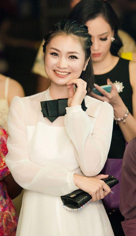 Hong Que bau 9 thang van noi bat ben dan hoa, a hau - Anh 5
