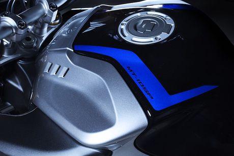 Yamaha MT-10 SP - Ban 'naked bike' cua sieu moto R1M - Anh 3