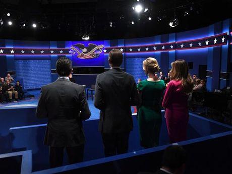 Nhung hinh anh cuoc tranh luan lan 2 Hillary Clinton-Donald Trump - Anh 11