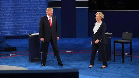 Nhung hinh anh cuoc tranh luan lan 2 Hillary Clinton-Donald Trump - Anh 1