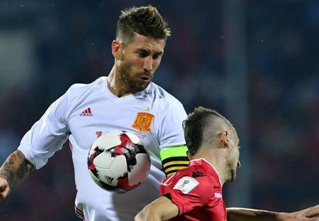 Ramos co nguy co ngoi ngoai 1 thang vi chan thuong - Anh 1
