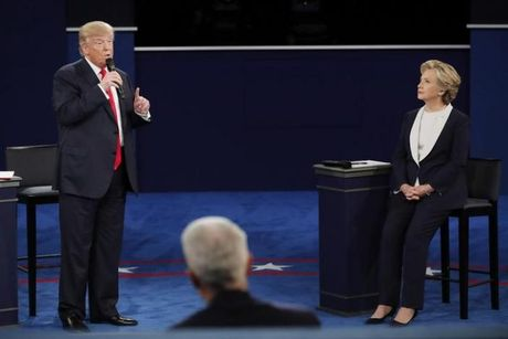 Tranh luan truc tiep lan hai day gay can giua Trump va Clinton - Anh 2