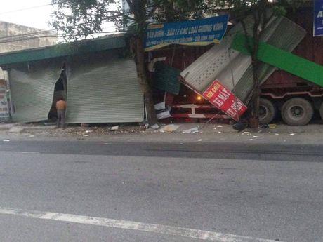 """""""Hung than xa lo"""" xuyen thung 3 nha dan - Anh 2"""