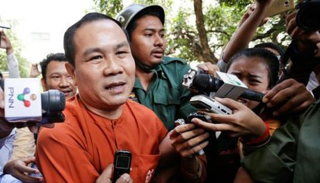 Campuchia bo tu nghi si dang ban do gia ve bien gioi voi Viet Nam - Anh 1