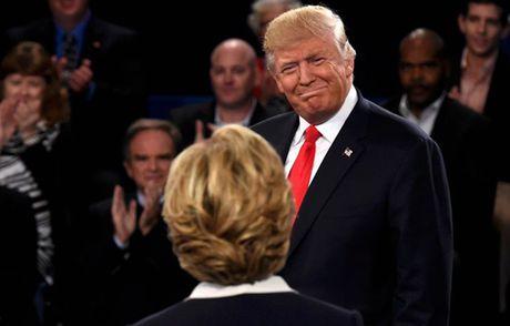Ong Trump ben len nhan loi ve phat ngon xuc pham phu nu - Anh 1