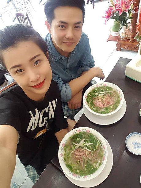 Sao Viet 10/10: Isaac than thiet Han Hyo Joo, Hong Que bau sap sinh van gon - Anh 1